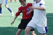 Turnaj O kalich Jana Husa se uskutečnil v Pustějově, jako připomínka husitské doby. Druhý den pak odehráli fotbalové zápasy hráči do 15 let v turnaji O kalíšek Jana Husa.
