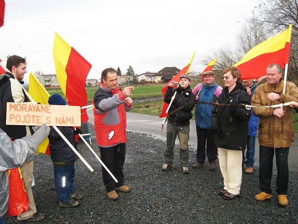 Pochod s prapory zahájil předseda Moravanů Pavel Dohnal.