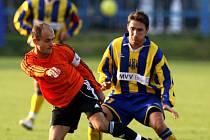 Bez svého kapitána, a jednoho z opor týmu, Tomáš Vajdy (vlevo) museli nastoupit k utkání 15. kola II. ligy s Ústím nad Labem fotbalisté Fulneku.