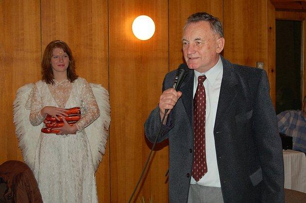 Bajere, Bajere, těmito slovy začínala báseň, kterou přednesl zastupitel Eduard Bajer.