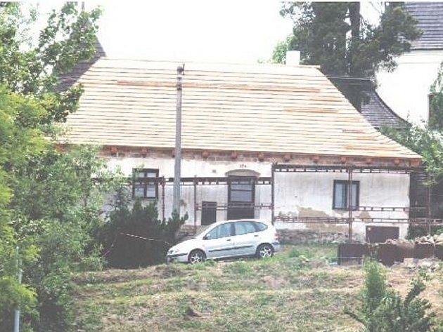 BÝVALÝ ŠPITÁL sv. Máří Magdalény ve Fulneku už nebude chátrat. Jeho majitel se pustil do rozsáhlé opravy.