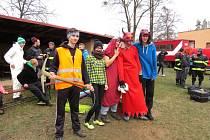 Už pojedenadvacáté se o mikulášském víkendu, v sobotu 3. prosince, proměnilo hřiště v Lukavci, místní části Fulneku, na dějiště netradiční hasičské Mikulášské soutěže.
