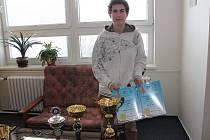 Johana Špačková, studentka Hotelové školy ve Frenštátě pod Radhoštěm, se stala absolutní vítězkou soutěže Gastrojunior Brno 2013. Porotu ohromila netradičním bramborovým dortíkem.