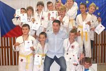 Ve stopách úspěšných starších kolegů pokračují i nejmenší judisté Závišic, kteří na domácím turnaji vybojovali řadu cenných kovů.