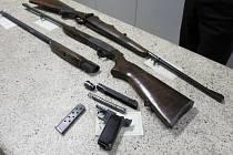 Odevzdané zbraně při amnestii v Novém Jičíně.