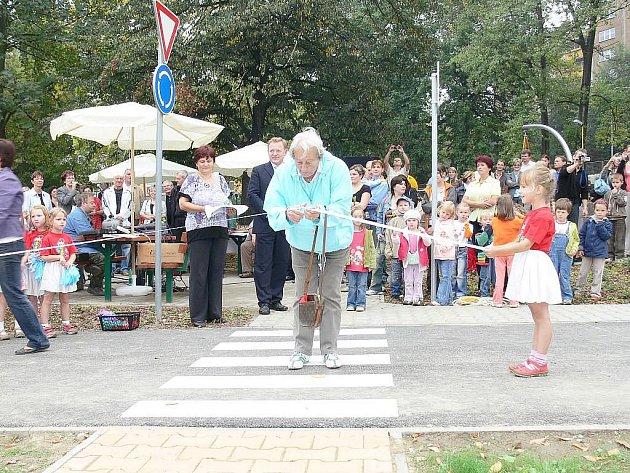 Zahájení provozu stezky se uskuteční v pátek 17. září v 11 hodin a o slavnostní přestřižení pásky se postará Dana Zátopková.
