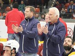KOPŘIVNICKÉ TRENÉRSKÉ DUO. Hlavní trenér Václav Slabý (vlevo) se svým asistentem Jiřím Malíkem.