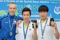 Velkého úspěchu dosáhl na světovém juniorském šampionátu Jakub Kovařík z novojičínské Laguny, který si z Francie přivezl dva cenné kovy.