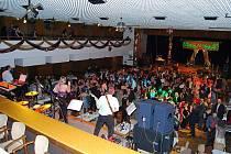 Muzikantský ples v Kopřivnici patří k nejoblíbenějším a stejně jako v minulých letech, končil plesovou sezónu.