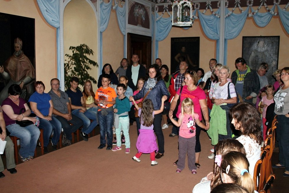 Jednou z nejnavštěvovanějších akcí na zámku v Kuníně je Hradozámecká noc na sklonku léta.