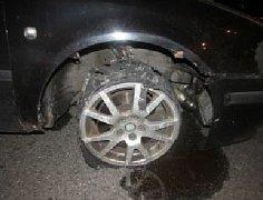 Poškozená pneumatika.