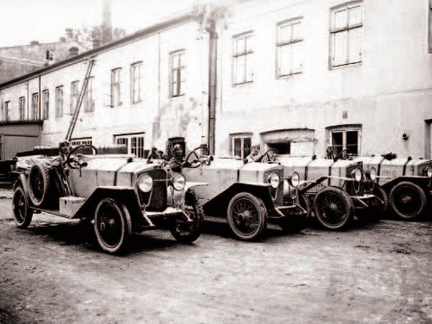 Typ T. Automobil byl dodáván smnožstvím různých karoserií. objevily jako varianty sportovní, závodní či hasičské.