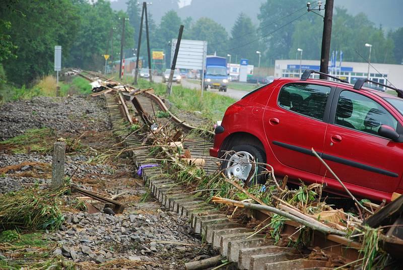 Takto to vypadalo na některých místech poté, co se Novojičínskem převalila záplavová vlna. Rok 2009