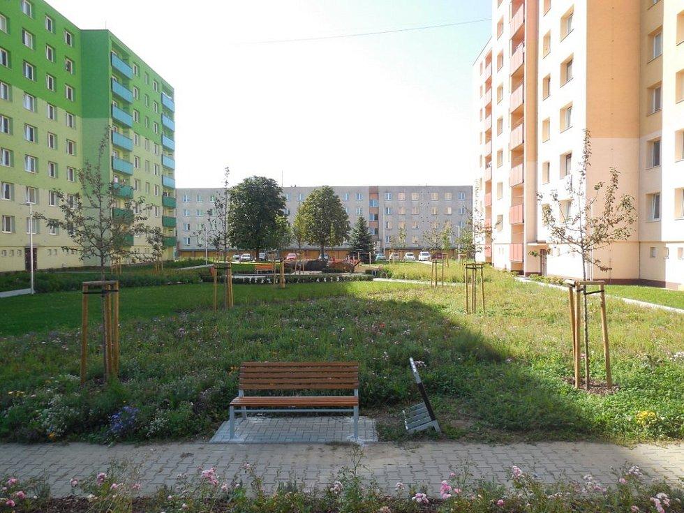 Nový je na sídlišti také městský mobiliář.