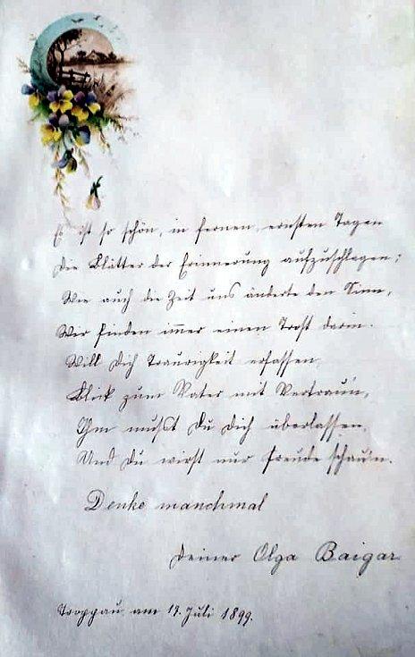 Stránky z nalezeného památníku, jehož majitelka je zatím neznámá. Foto: facebook - Zámek Bílovec
