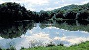 Takový pohled na vodní nádrž Čerťák u Nového Jičína se zanedlouho stane na nějaký čas minulostí.