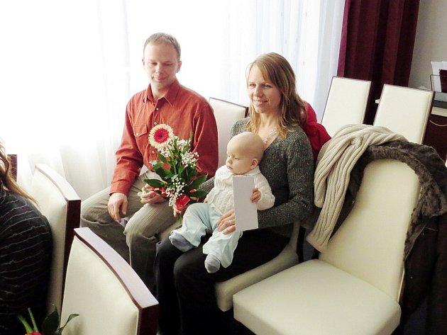 Vojtěch Honeš se se svými rodiči zúčastnil slavnostního přivítání v Jeseníku nad Odrou.