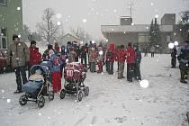Nejmladší absolvovali trať v kočárcích.