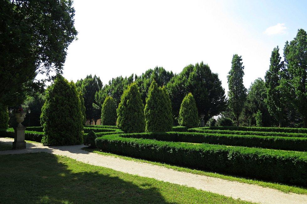 Spálov nabízí mnohé přírodní i historické zajímavosti.