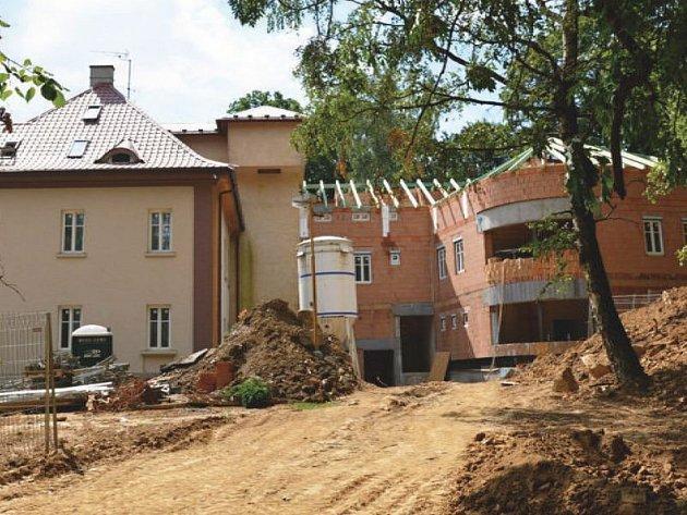 Přístavba a modernizace domova pro seniory v Bílovci. Ilustrační foto.
