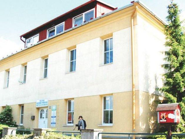 Městská knihovna ve Frenštátě pod Radhoštěm se nyní nachází v náhradních prostorách.