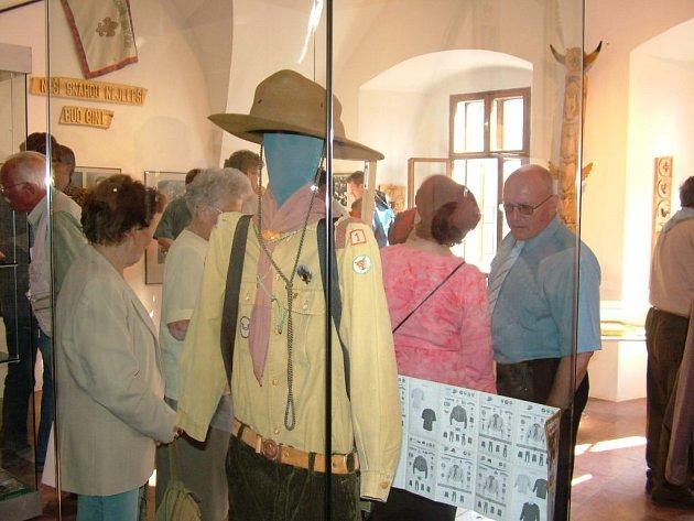 Výstavu k 85. výročí skautingu v Novém Jičíně mohou návštěvníci místního Žerotínského zámku shlédnout až do 9. září.