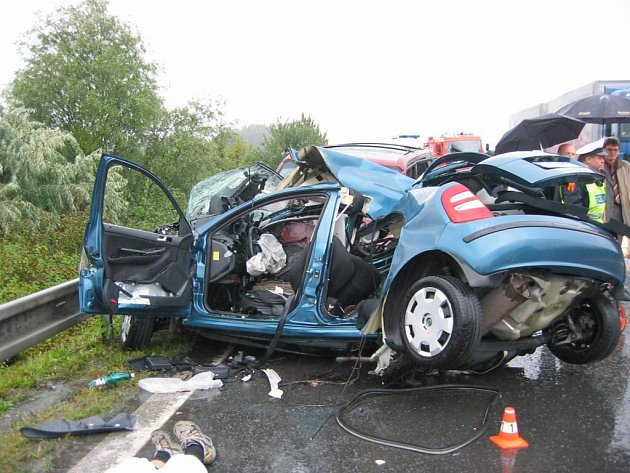 Řidič fabie jízdu nepřežil.
