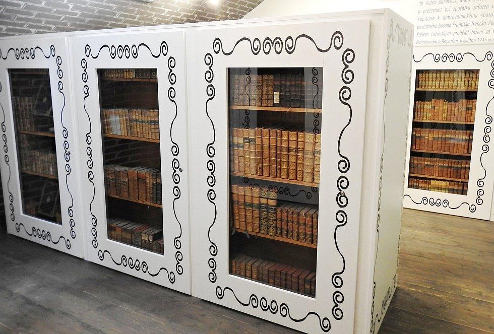 V domě na Masarykově náměstí v Novém Jičíně, kde je stálá expozice věnovaná generálu Laudonovi, přibyla v roce 2021 také část Laudonovy knihovny. Foto: se souhlasem Navštěvnického centra Nový Jičín