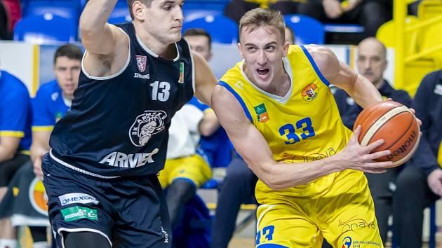 Jakub Slavík (vpravo) patřil k nejlepším hráčům Nového Jičína
