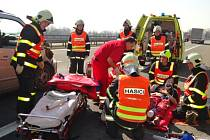 Zásah hasičů u nehody na dálnici D1 u Bravantic.