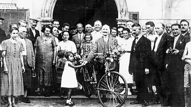 Anton Gödrich, fulnecký občan, je s největší pravděpodobností vůbec prvním občanem České republiky, který získal olympijskou medaili. Jeho jméno chtějí příští rok ve Fulneku připomenout.