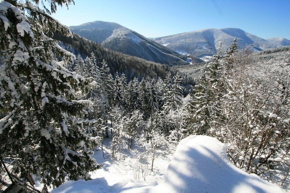 Pohled z Horních Mazáckých skal.