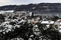 Odry zasypal sníh. Čtvrtek 14. ledna 2021.
