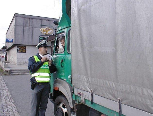 Policisté provádějí kontroly stále častěji.