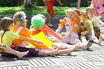 Pokračování her bez hranic si děti ze Základní a mateřské školy Motýlek v Kopřivnici užily spolu s žáky Základní umělecké školy Zdeňka Buriana.
