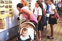 Vernisáž výstavy věnované Ludvíku Demlovi si v sobotu 2. července nenechaly ujít desítky návštěvníků.