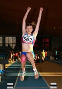 Téměř před rokem doletěla Veronika Šádková na halovém mistrovství republiky do vzdálenosti 592 centimetrů, což jí vyneslo první sezonní nejcennější medaili.