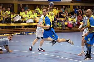 Patrik Fulnek během zápasu s Hranicemi. Foto: Ivan Pilát