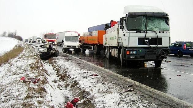 Hromadná dopravní nehoda u Starého Jičína, který se stala 20. března.