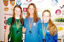 KK. Juniorka Laguny Klára Křepelková (vlevo) potvrdila svoji sílu a na pokračování světového poháru ve Španělsku nestačila pouze na Rusku Naumovou.