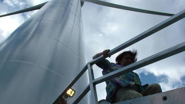 Větrné elektrárny jsou pro obyvatele Dobešova, místní části Oder, strašákem.
