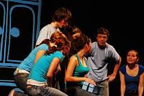 V Beskydském divadle v Novém Jičíně se v sobotu 14. března již po sedmé sešli mladí na herci na soutěžní přehlídce studentského a experimentálního divadla Opona 2009.