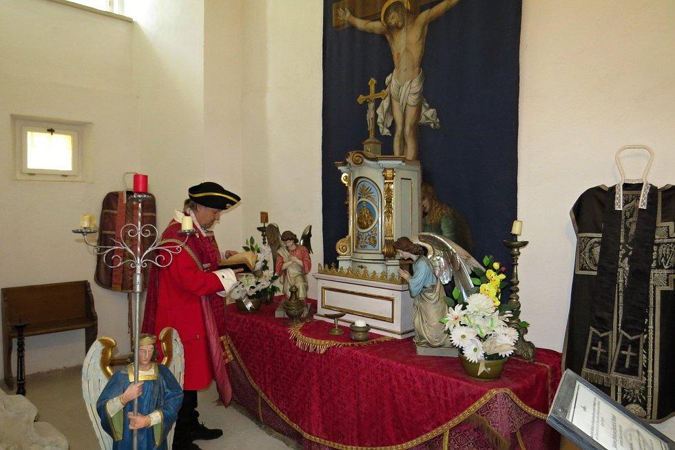 Do Noci kostelů se v pátek 28. května 2021 zapojil také zámek v Bílovci, kde si návštěvníci mohli prohlédnout mimo jiné kapli sv. Hyacinta.
