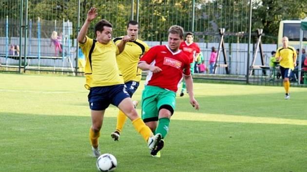 Fotbalisté FC Bílovec remizovali v nedělním domácím zápase I. A třídy, skupiny A, s mužstvem TJ Jiskra Rýmařov 0:0.