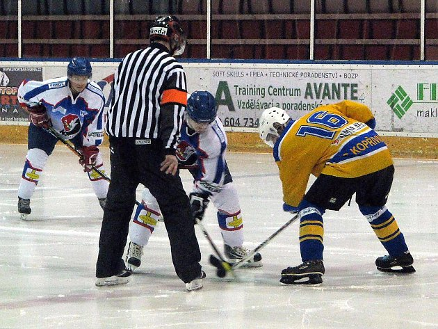 Hokejisté Kopřivnice ve šlágru 21. kola krajské ligy mužů porazili před vlastním publikem Nový Jičín B.