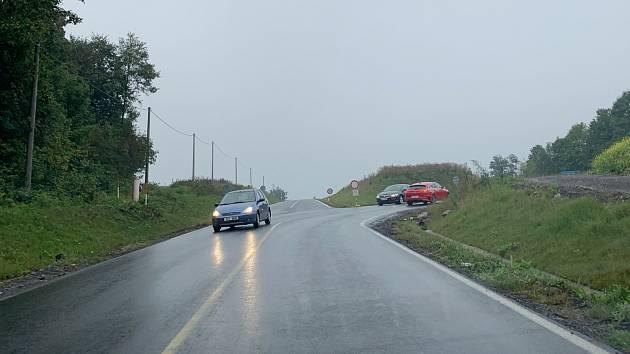 Křižovatka u Libhoště kde došlo k sobotní nehodě.
