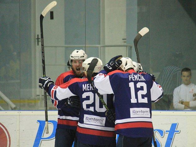 2. hokejová liga, sk. Východ 201/2018 - 1. kolo: Kopřivnická Tatra doma přestřílela favorizovaný Šumperk 8:5 (1:1, 4:1, 3:3)