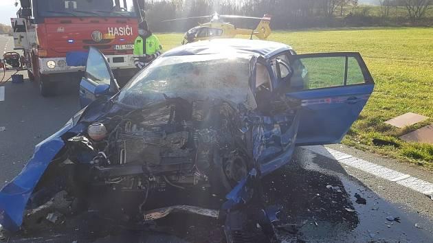 Zásah u tragické dopravní nehody u Lichnova na Novojičínsku v sobotu 21. listopadu 2020.