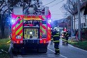 Zásah hasičů u požáru rodinného domu v Mankovicích.