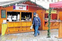 Nabídka punčů je na letošním Vánočním jarmarku v Novém Jičíně velice pestrá.